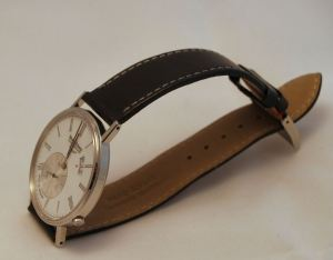 Ultra thin profile at 5.8mm & high quality calf leather strap