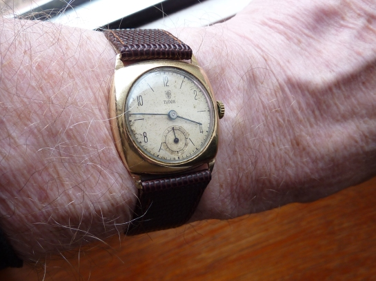 "1947 ""Rolex"" Tudor in 9ct gold."