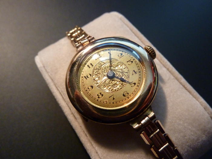 Deep engraving on the dial adds quality