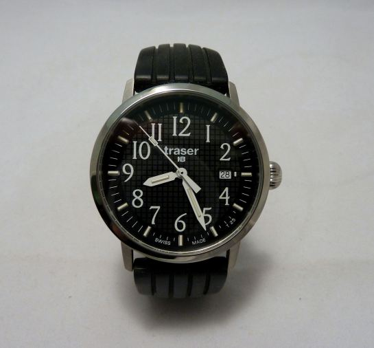 High visibility dial of the Basic Black