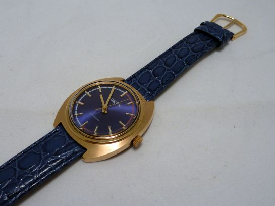 Blue strap suits this Voken perfectly!