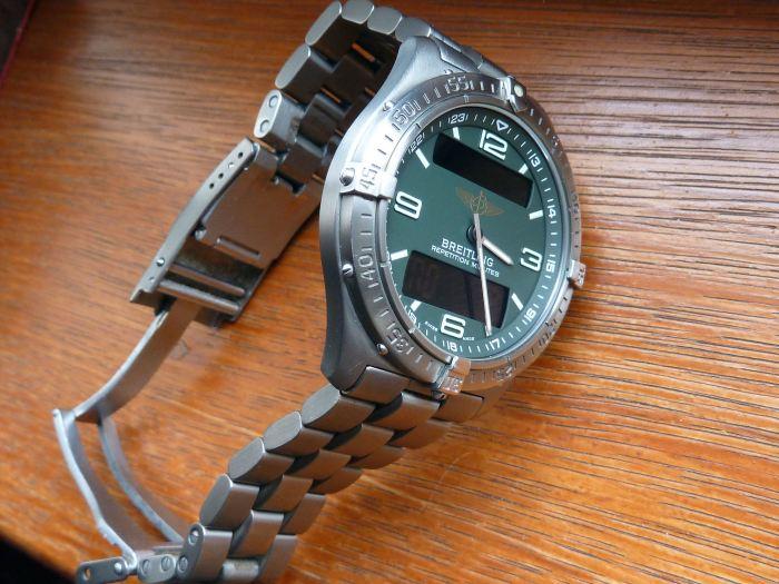 Titanium at it's best case and solid link (diver extendable) bracelet.