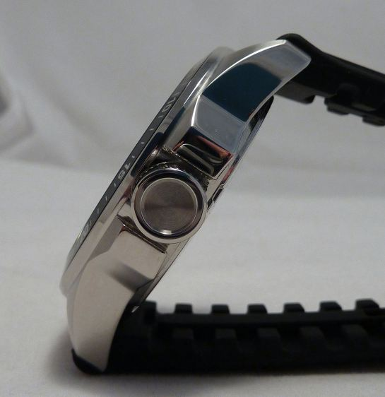 Solid Stainless Steel build + flexible silicon strap