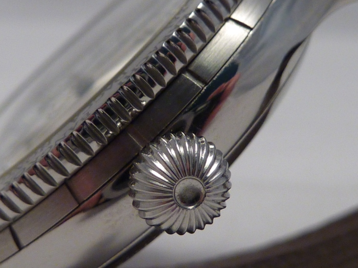 Onion Crown with stainless bi-directional Zone bezel