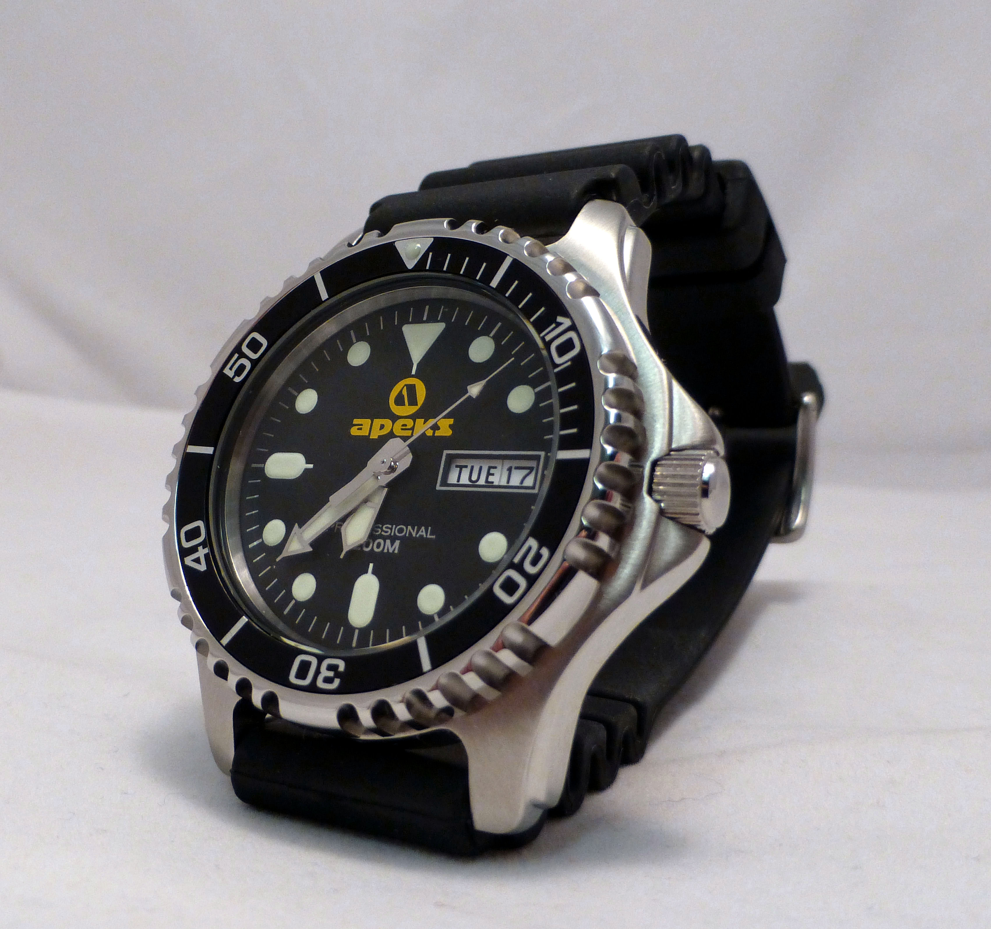 best value diver watch space apeks ap0406 mens 200m professional dive watch
