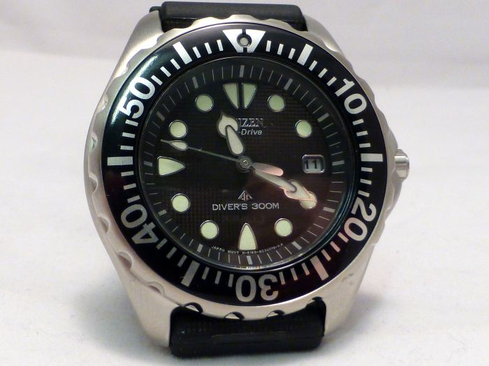 Compact Diver but big markers compensate.