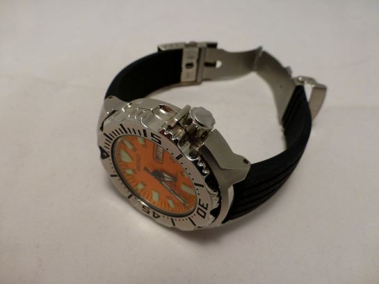 Seiko Orange Monster with Silicon deployment.