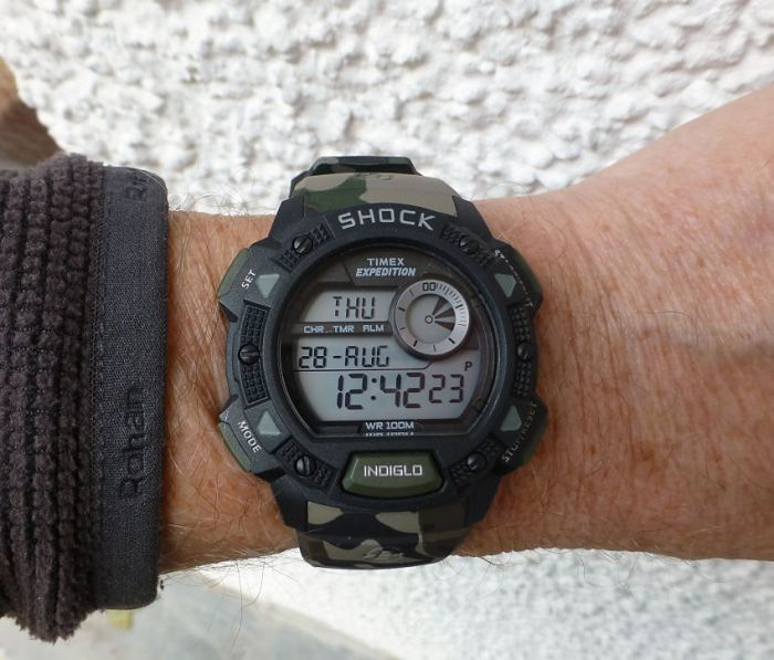 Timex Expedition T49976 in Camouflage and standard strap