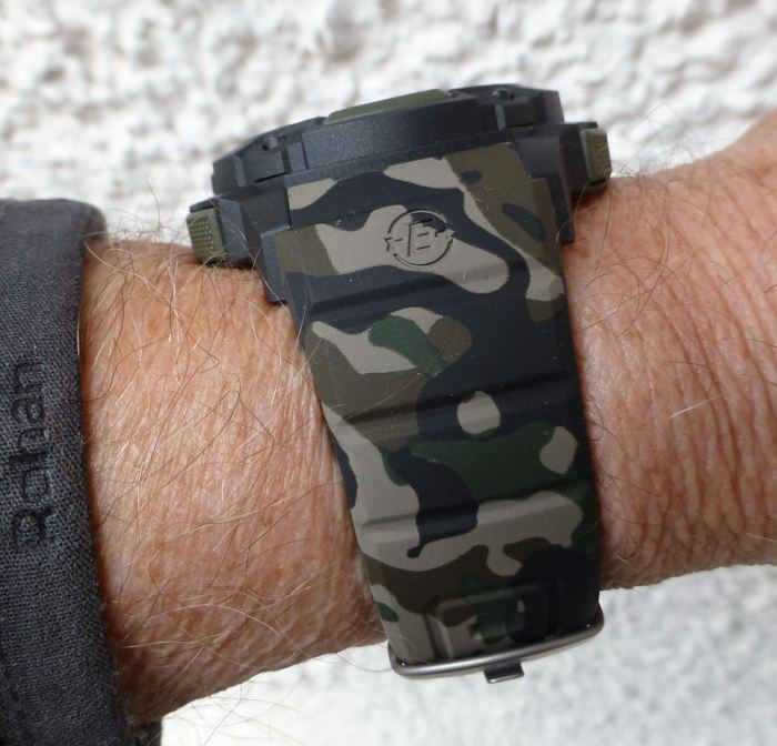 One of the best Timex straps as standard, looks great.