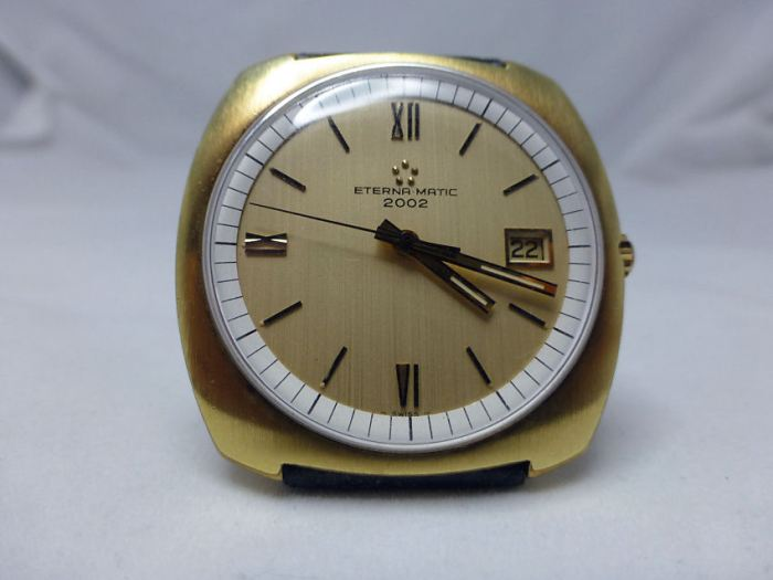 Perfect original dial - not bad after 43 years!