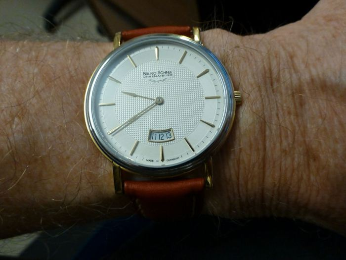 Bruno - on the wrist - great fit.