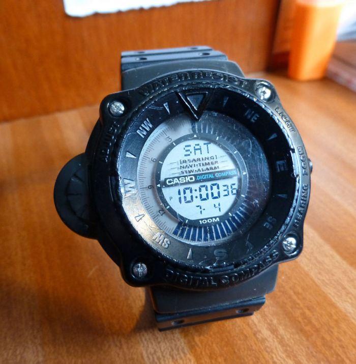 Old Casio 220 Digital Compass