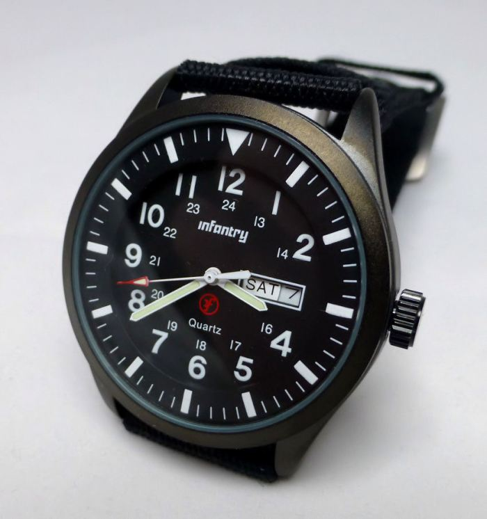 Infantry Model IN-044 - clear display Day & Date.