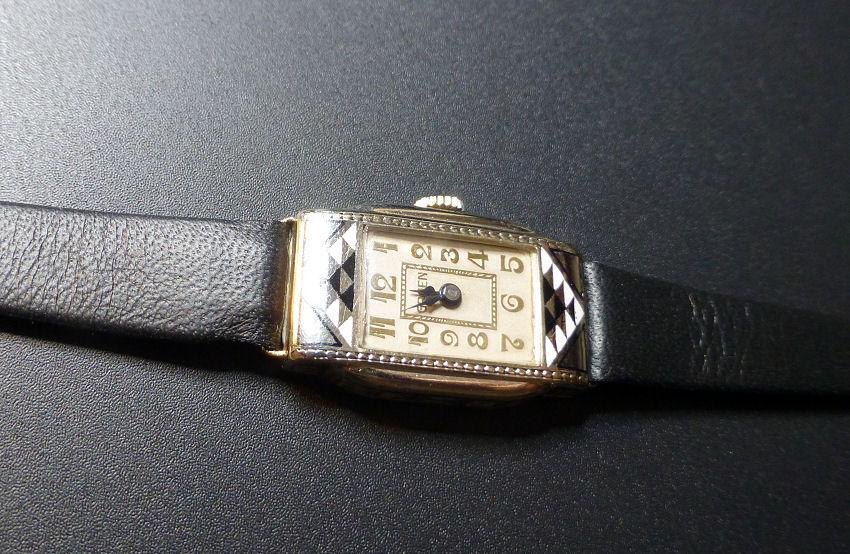 auction vintage gruen watch space. Black Bedroom Furniture Sets. Home Design Ideas