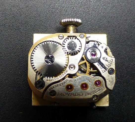 Movado 15 jewel Day & Date pointer Calendar movement